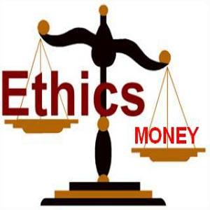 ترازو در حال اندازه گیری ارزش پول و اخلاقیات